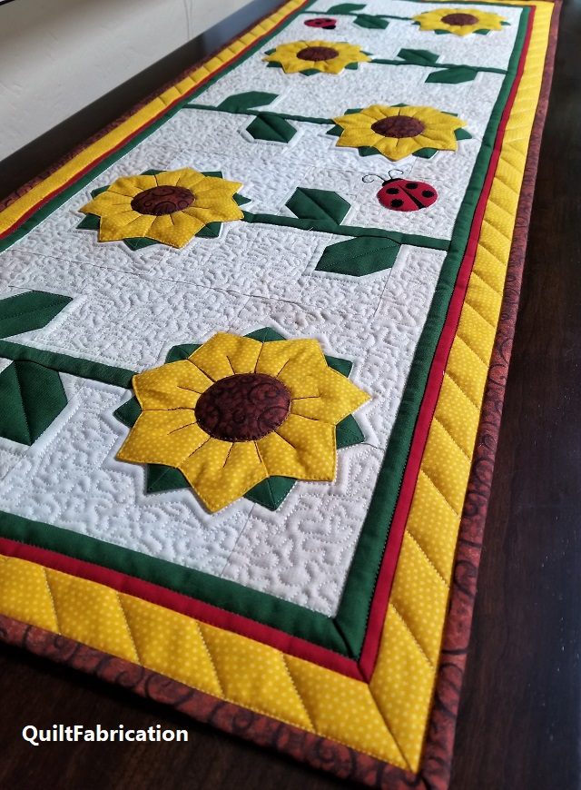 Sunflowers Runner closeup by QuiltFabrication