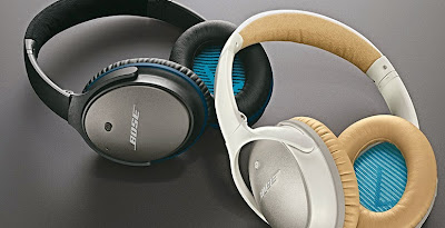 Bose QC25 headphones in White and Black