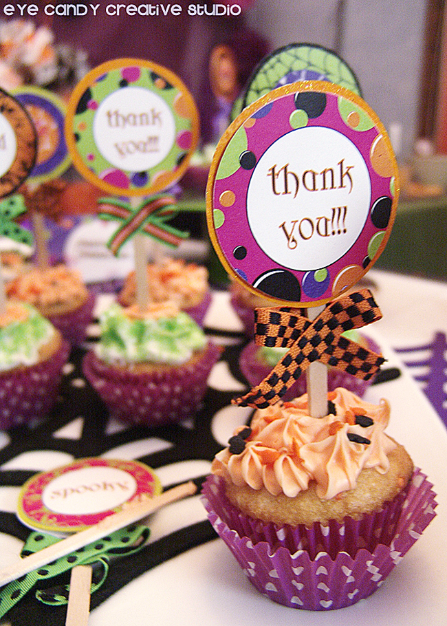 halloween party decor, halloween dessert table decor ideas, thank you