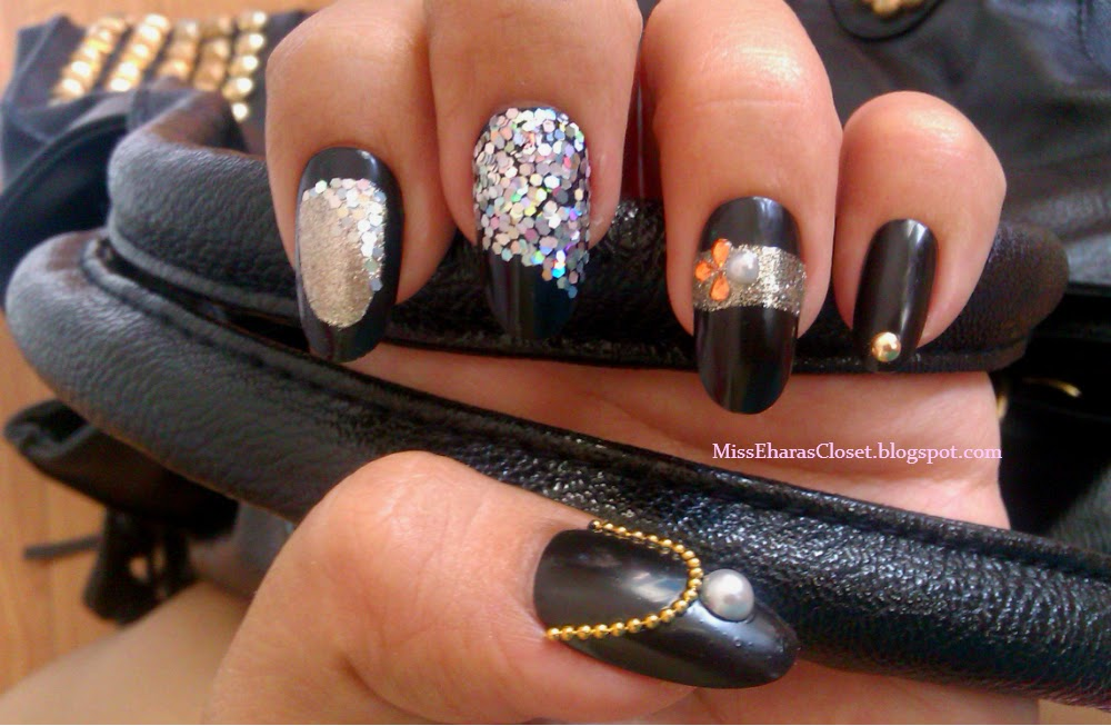 NOTD black nail polish nailart