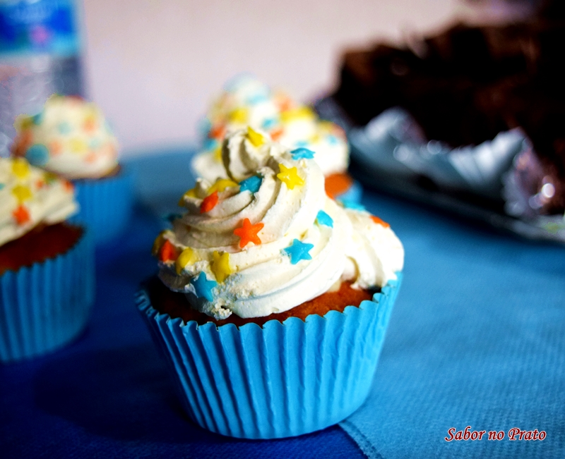 Receita fácil de cupcake de leite ninho