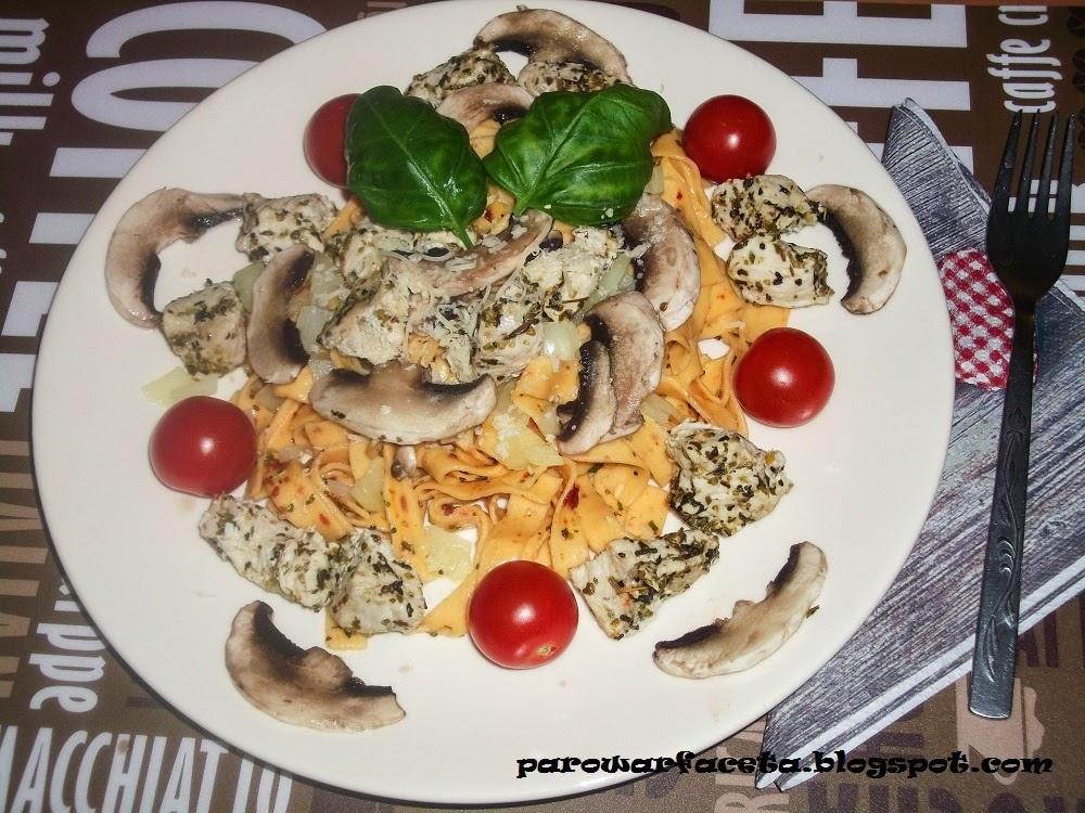 Tagliatelle z kurczakiem i warzywami z parowaru