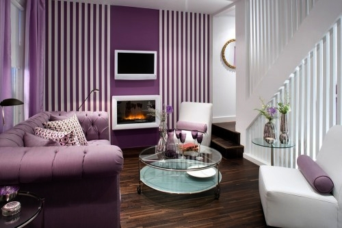 Menggunakan Wallpaper Dinding Dapat Menjadi Solusi Yang Sangat Tepat Dalam Mendesain Ruang Tamu Dengan Berbagai Tema Saat Ini Penggunaan