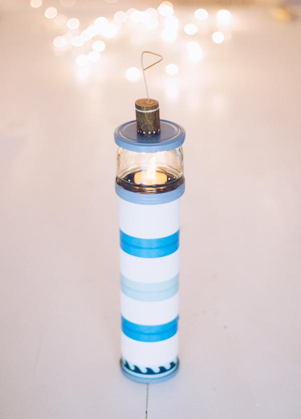 Anleitung für ein selbstgemachtes DIY Leuchtturm-Nachtlicht. Upcycling mit Washi Tape von titatoni.de