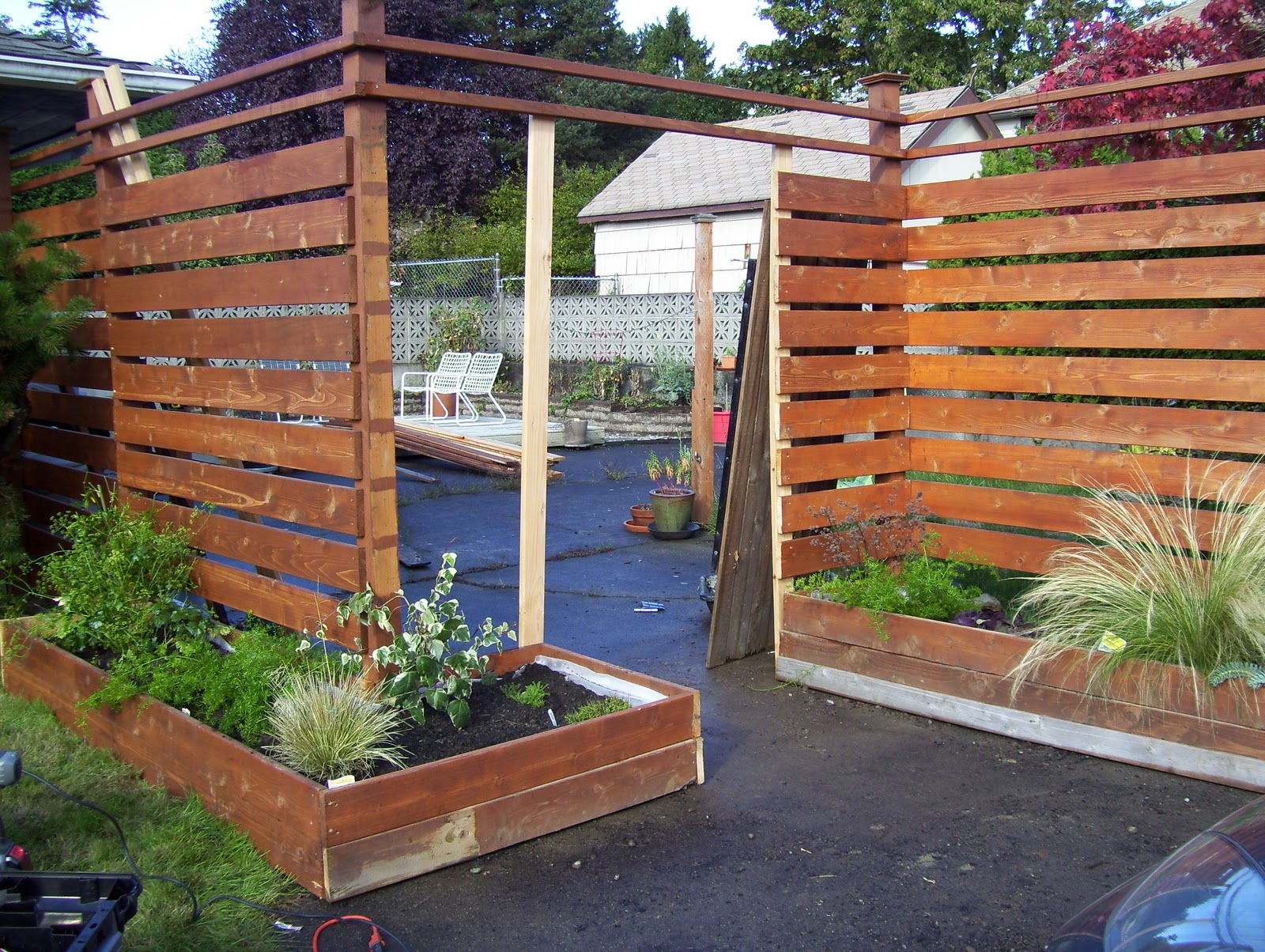categorically modern: Redo! : Another take at our fence