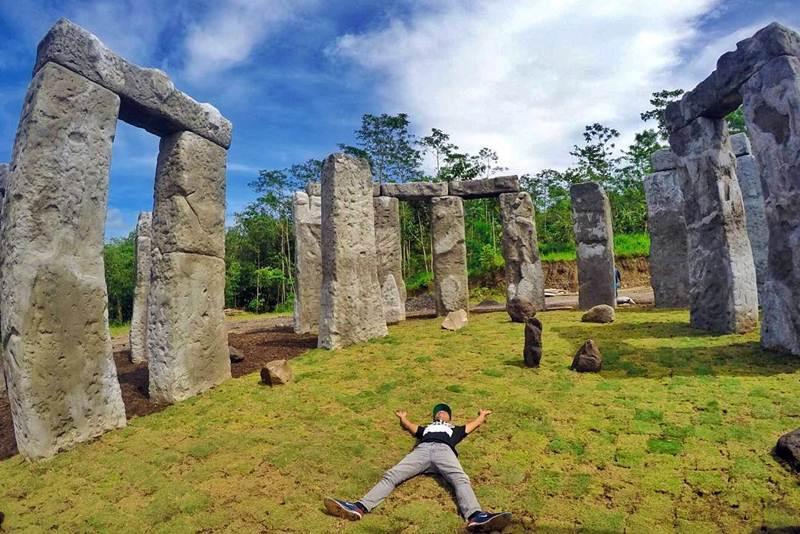 Wisata baru jogja Stonehenge Cangkringan