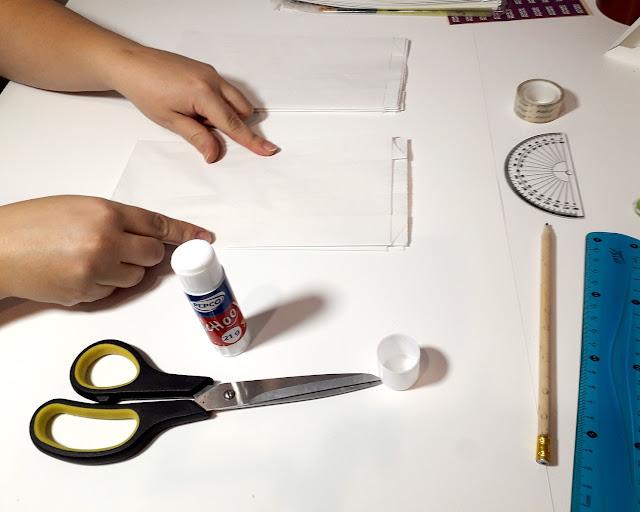 swiateczne ozdoby ktore zrobisz sama - prosta gwiazda z torebek papierowych
