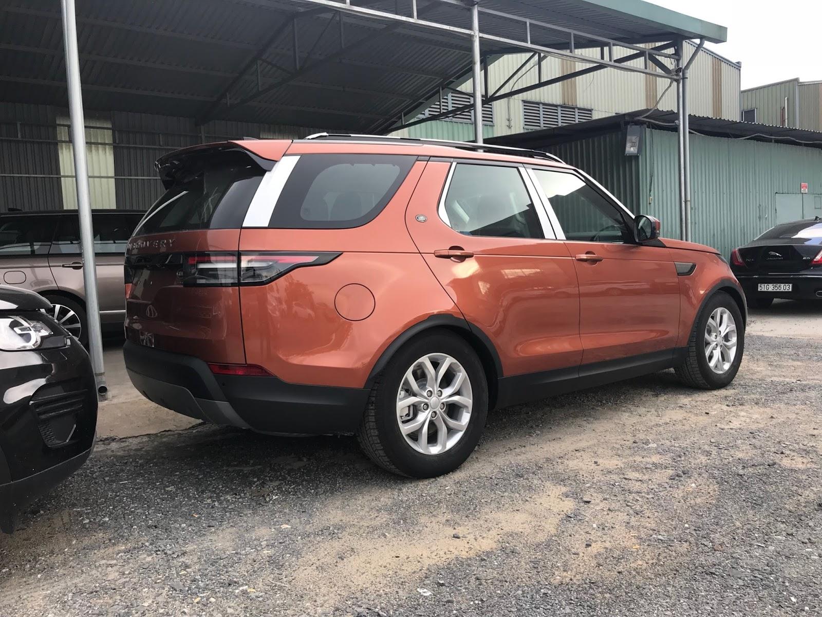 Giá Xe Land Rover 7 Chỗ Discovery SE Bản Rẻ Nhất Màu Cam Đời Mới Nhất 2018 và 2019 tại việt nam bao nhiêu tiền, xe máy xăng và máy dầu xe nào tôt hơn