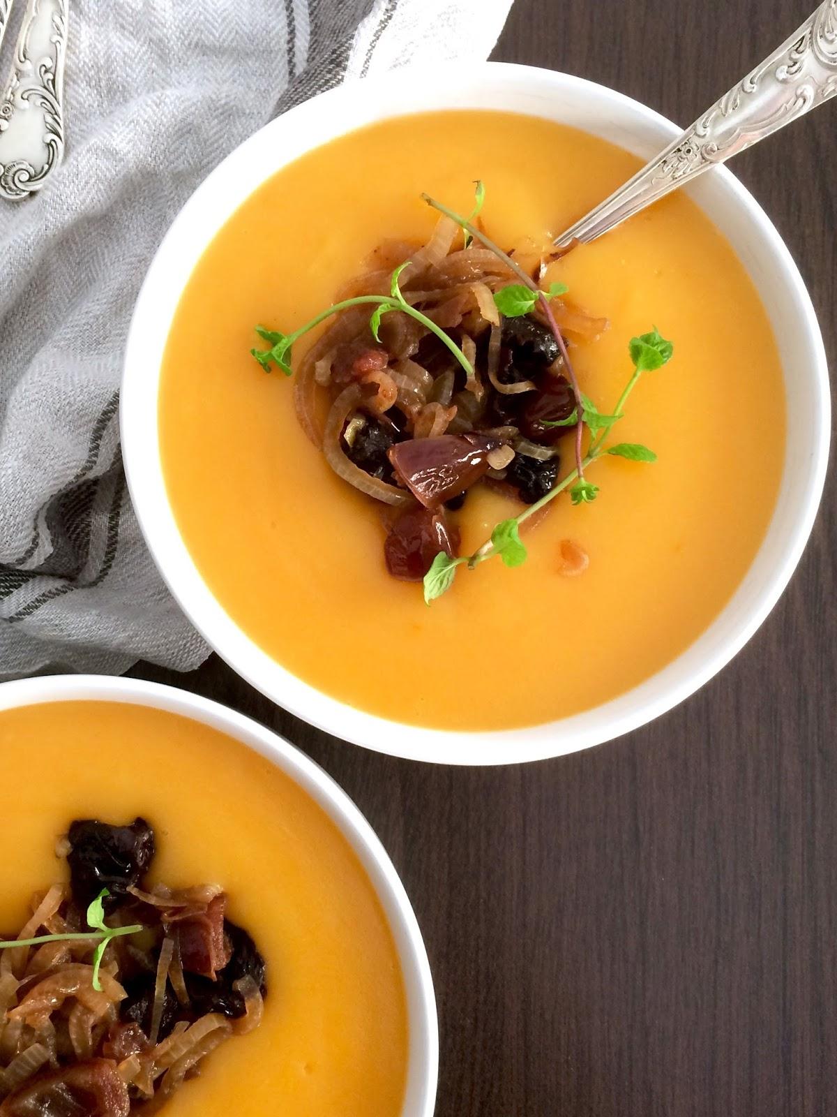 Kürbissuppe mit Zwiebel-Pflaumen-Kompott - Anna Lee EATS   Foodblog ...