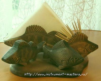 Деревянный резной столовый набор в подарок рыбаку