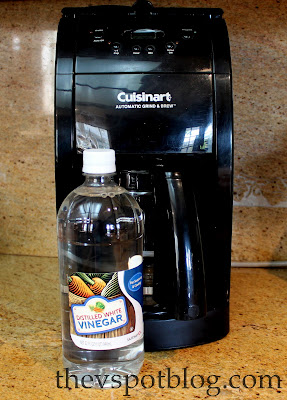 cleaning coffee maker with vinegar clean your coffee maker using vinegar the v spot 31151