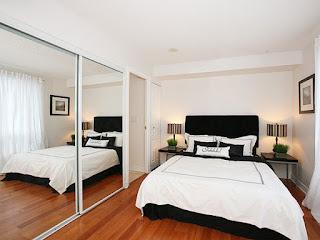 cara membuat kamar tidur kecil terlihat luas