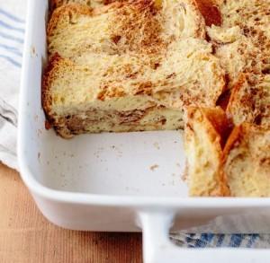 الخبز مع الكسترد