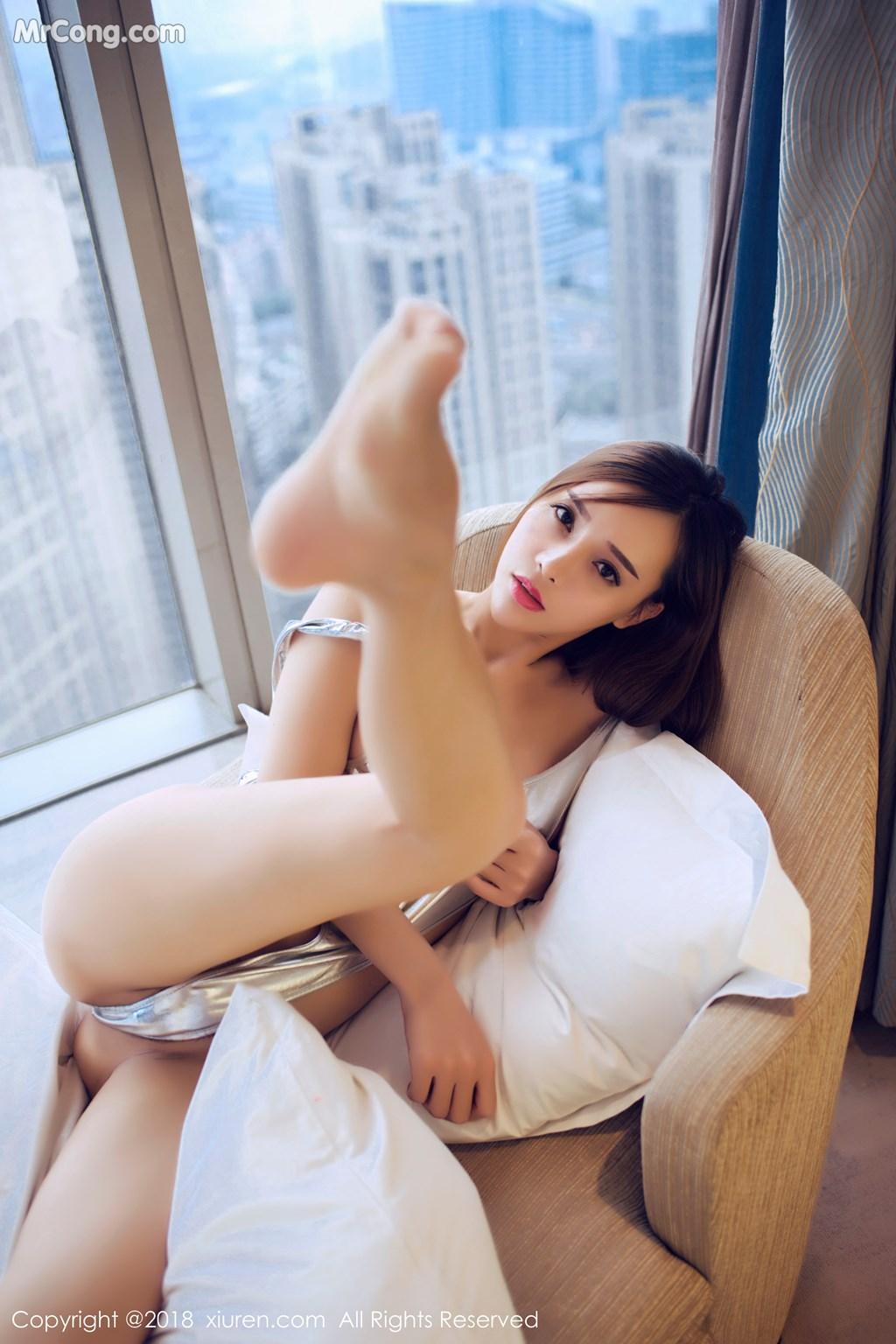 Image XIUREN-No.946-Ai-Xiao-Qing-MrCong.com-017 in post XIUREN No.946: Người mẫu Ai Xiao Qing (艾小青) (46 ảnh)