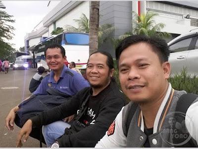 Dari kiri ke kanan .. Sayah, Mang Dawock, Kang Anwar Rudin.