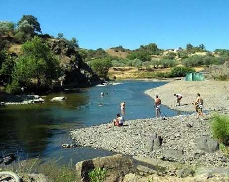 Praia Fluvial da Albufeira de Odeleite