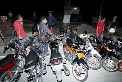 Gneg Motor Tertangkap Polisi