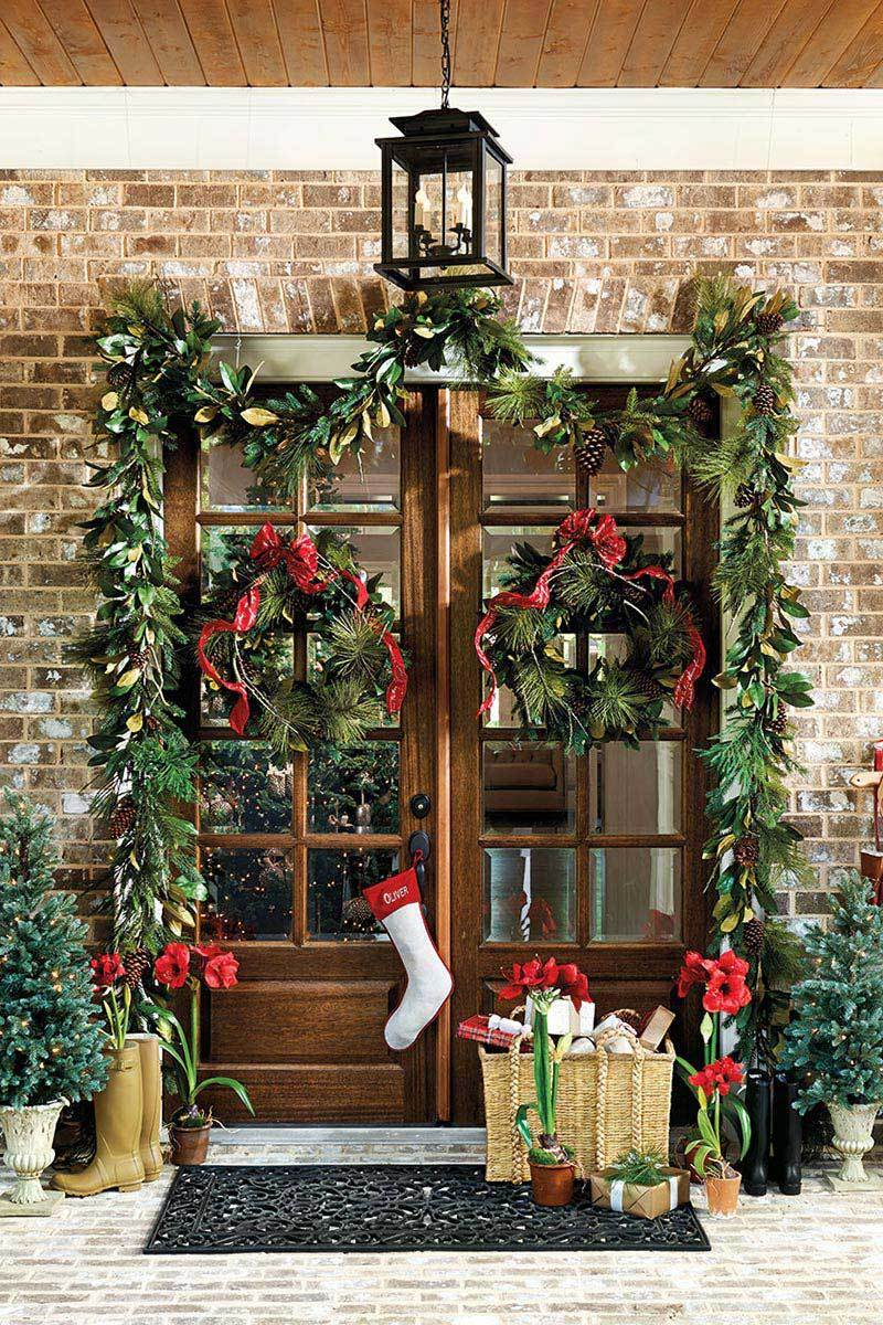 Top 12 Tips Of Door Decoration On Christmas Homeselfe