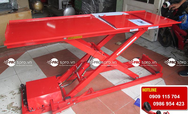 Bàn nâng xe máy cơ điện thủy lực sơn tĩnh điện tp HCM