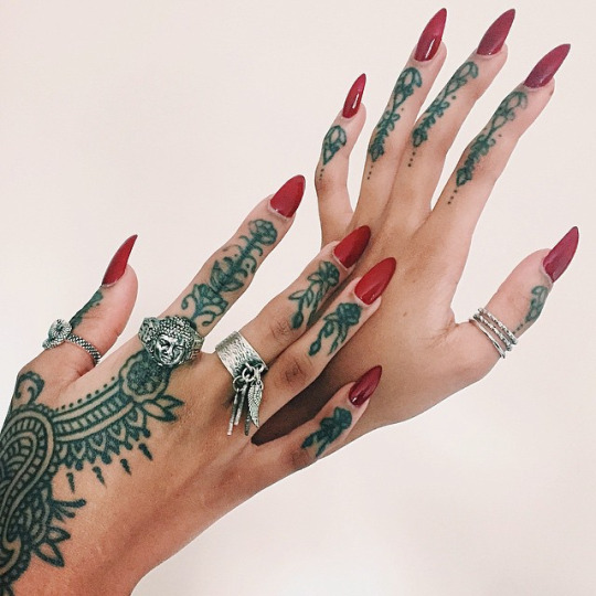 30 Most Beautiful Temporary Henna Tattoos For Women