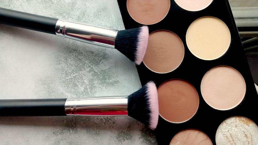 Primark Stippling and Makeup Revolution Contour Kit