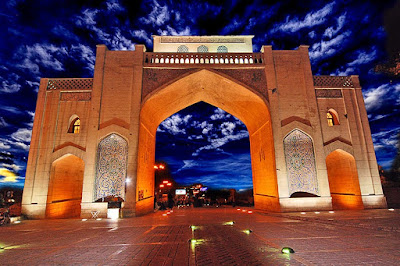 In Deylamian periods, the narrow gateway on the east northern side of Shiraz was built in 13th century. One of the ancient gate which has remained from 1000 years ago and it is considered as one of the antique monuments of the city nowadays