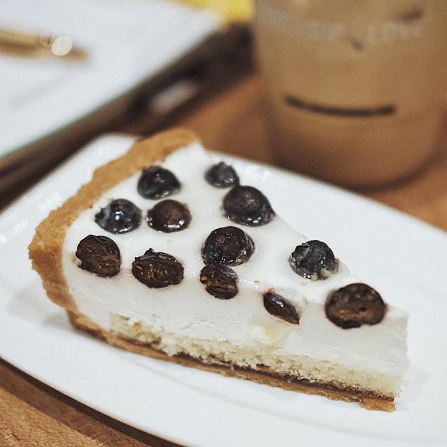 Blueberry Yogurt Cake
