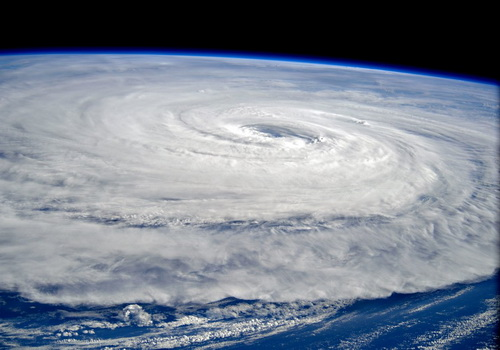 Tinuku Astronauts recorded giant Noru hurricane from space