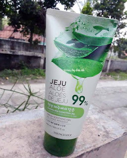 The-Face-Shop-Jeju-Aloe-99%-Soothing-Gel