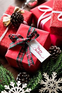 cadouri de Crăciun - imagine de  rawpixel.com - unsplash.com