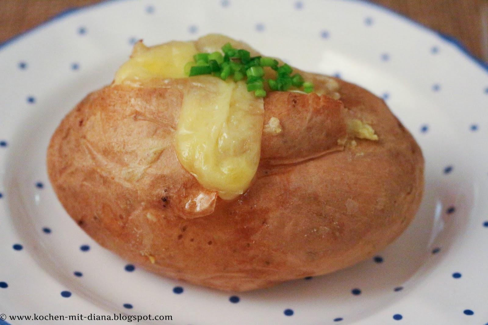 Bratkartoffeln in der Schale mit Feta Käse