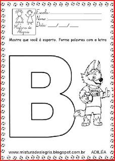 Mascote Zabivaka formando palavras alfabetização