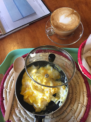 Dos Huevos zum Frühstück - mein Spanisch ist peinlich schlecht, aber ich komme durch... © diekremserin on the go