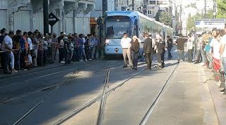 İstanbul Sultanahmet'te tramvay raydan çıktı.