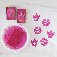 http://www.ohohdeco.com/2013/01/diy-stamp-sello.html