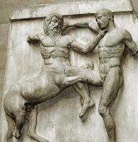 Centauro luchando contra un lápita (detalle del Partenón)..jpg