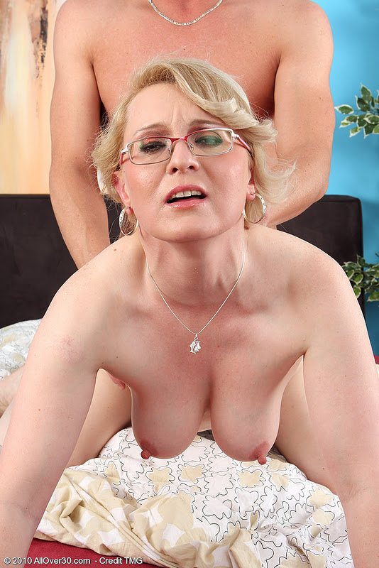 A bit of anal fun for mature nurse cheryl 9