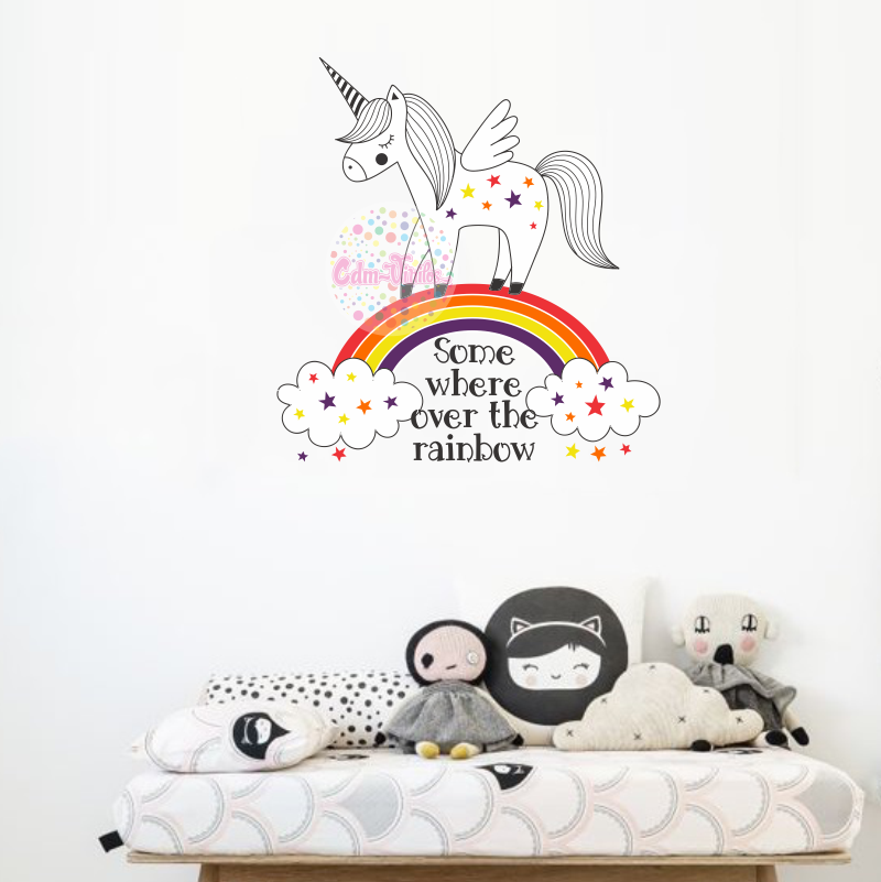 Vinilo decorativo infantil unicornio sobre arcoiris con for Vinilos infantiles con nombre baratos