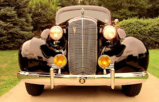 1937 Cadillac Fleetwood Brougham Front