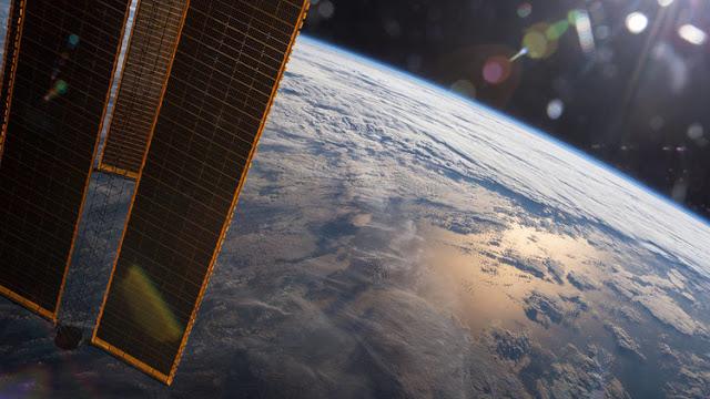 Así respondieron astronautas estadounidenses al rapero que cree que la Tierra es plana