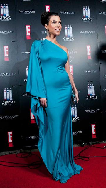Kourtney Kardashian vestido longo
