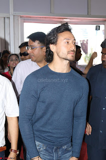 Tiger Shroff Launches Mumbai International Motor Show 2017 013.JPG