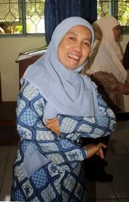 Dra. Siti Farida Trikorawati