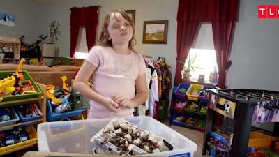 Αυτή η 9χρονη δεν είναι σαν τις άλλες - Κάνει συλλογή από...κατσαρίδες