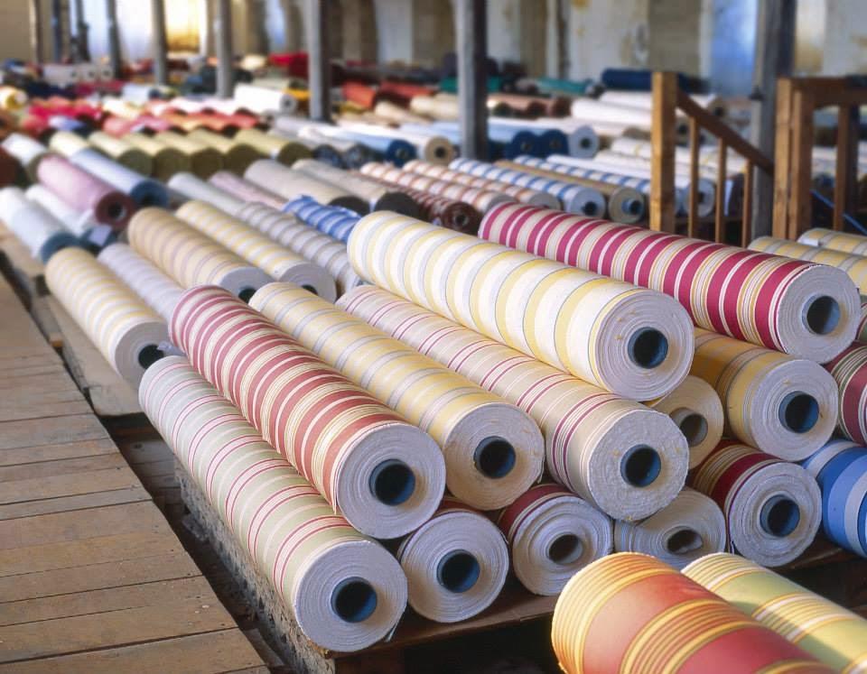 le magasin d usine des toiles de mayenne fontaine daniel les magasins d 39 usine en france. Black Bedroom Furniture Sets. Home Design Ideas