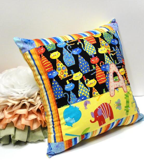 Детские именные подушки - натуральный хлопок, 40 х 40 см. Съемные чехлы на пуговицах