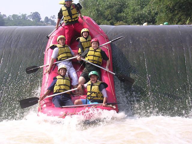 Rafting - arung jeram bandung