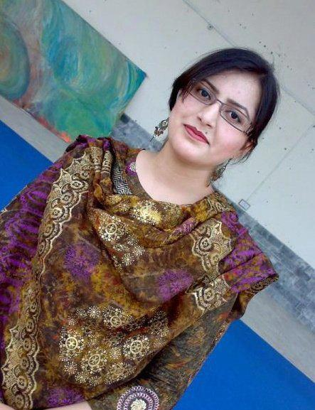 Beautiful Celebrity Pictures Hot Pakistani Aunty From -1864