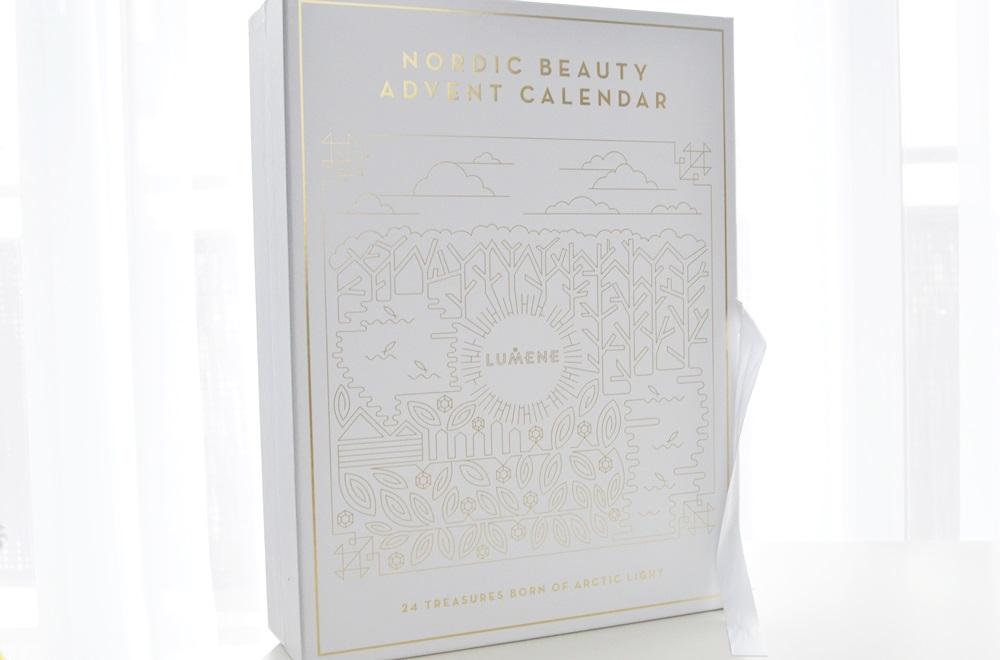 Kalendarz adwentowy Lumene - czy warto? Co sądzę o kalendarzach adwentowych + kosmetyki, które w nim się znalazły