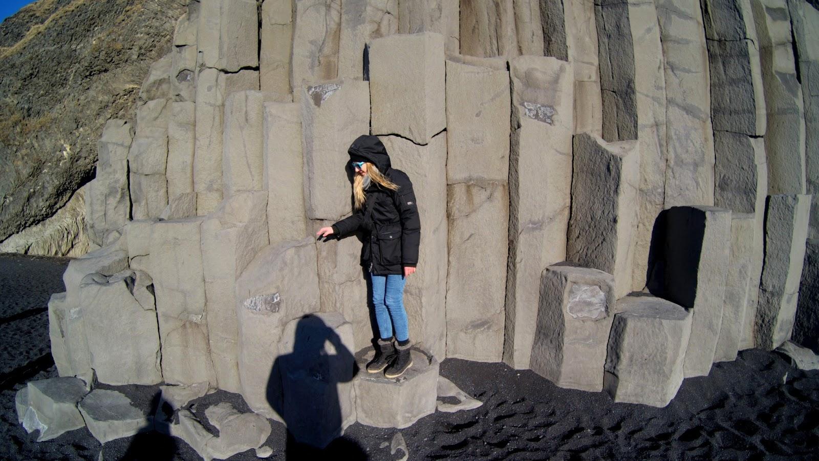 Reynisfjara czarna plaża, atrakcja południowej Islandii